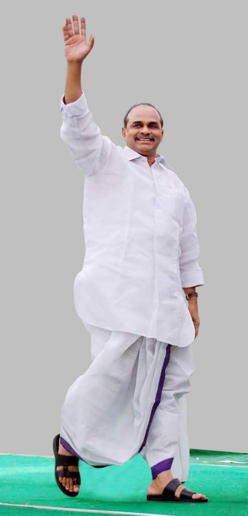 YS Rajashekar Reddy walking in his dhotis 2
